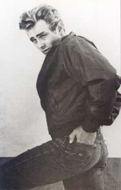 James Dean sure knows how to wear a pair of jeans! :)