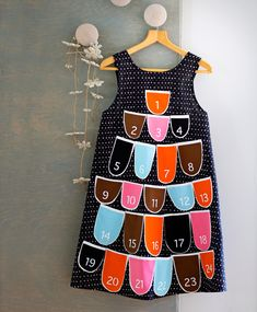 Advent Calendar apron for xmas by Hanna Tamminen, Kotiliesi Countdown Calendar, Advent Calendars, Xmas, Christmas, 9 And 10, Summer Dresses, Sewing, Color, Aprons