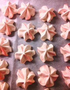 Sockerhjärtan tårtdesign: Frasiga minimaränger Sugar, Cookies, Baking, Desserts, Food, Frases, Crack Crackers, Tailgate Desserts, Deserts