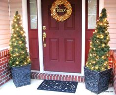 DIY Tomato Cage and Garland Topiary Christmas Trees | Lucy Designs