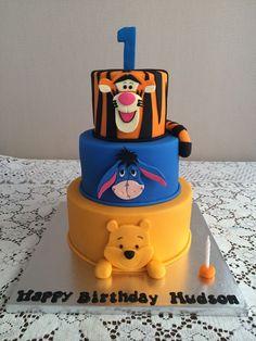 Winnie the pooh tiered cake Winnie The Pooh Cake, Winnie The Pooh Birthday, Fondant Cakes, Cupcake Cakes, Friends Cake, Baby Birthday Cakes, Beautiful Birthday Cakes, Animal Cakes, Character Cakes