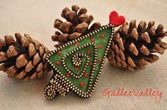 Christmas tree brooch | Flickr - Photo Sharing!
