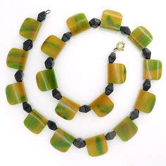 Vintage Art Deco Mottled Yellow Amber Green Bakelite Slanted Bead Necklace | Clarice Jewellery | Vintage Costume Jewellery