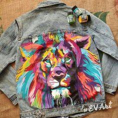 DIY JEandjacke bemalen mit Stoffmalfarbe DIY jacket to paint with fabric paint Painted Denim Jacket, Painted Jeans, Painted Clothes, Hand Painted, Denim Paint, Diy Clothing, Custom Clothes, Denim Kunst, Diy Kleidung