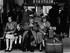 Victoria Bus Station, London, 1939. By Wolfgang Suschitzky.