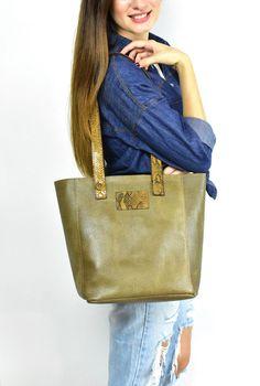 Premium Leather Tote bag, Medium Leather Bag, School Bag, Beige Tote bag, Shopper Bag, Medium leather Tote, Snake leather handle Suede Tote Bag, Tote Bags, Leather Handle, Leather Bag, Shopper Bag, Medium Bags, School Bags, Snake, Beige
