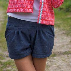 #alicesweater (Bild vorher) gegen #jäckchenbetty von @freuleins.de (kommt ganz bald) getauscht und schon ist eine Sweat...