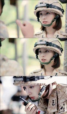 descendants of the sun Korean Actresses, Korean Actors, Actors & Actresses, Drama Korea, Korean Drama, Descendents Of The Sun, Songsong Couple, Jun Ji Hyun, Kim Ji Won