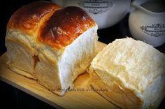 Everybody Eats Well in Flanders: Hokkaido Milk Loaf (Tangzhong Method) ~ 北海道牛乳面包 (汤种法)