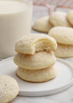 Cream Cheese Cookies – Preppy Kitchen These delicious, fluffy cream cheese cookies from Preppy Kitchen MELT in your mouth and have the most delightful flavor; perfectly sweet with a nice tang from the cream cheese and a hint of vanilla. Cream Cheese Cookie Recipe, Cookies With Cream Cheese, Easy Cream Cheese Desserts, Vanilla Cookie Recipe, Flavored Cream Cheeses, Cream Cheese Bars, Cream Cookies, Vanilla Cookies, Vanilla Cake