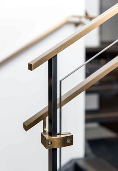 The Next Level: 14 Stair Railings to Elevate Your Home Design - Homes Holic The best and easiest staircase railing makeover only on this page Glass Handrail, Staircase Handrail, Stair Railing Design, Glass Stairs, Staircases, Glass Stair Railing, Bannister, Interior Railings, Interior Stairs