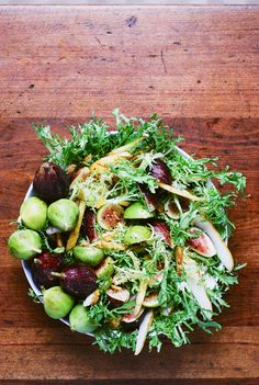 Fig and Pear Salad with Vanilla Bean Vinaigrette