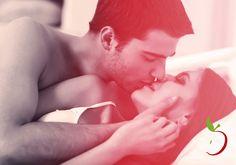 Preliminares são indispensáveis para que o sexo seja ainda mais gostoso e envolvente. Que tal umas dicas para caprichar? Saiba mais com a Desejo Oculto! http://www.desejooculto.com.br/dicas #DesejoOculto #SexShop #preliminares #sexo
