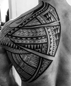 men tribal tattoos on shoulder