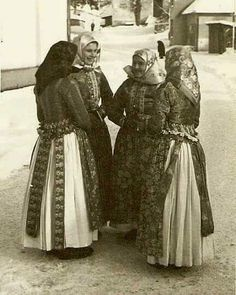 Sliače Girls talking on their way from the church. In this picture there are both my grandmother and my husbands grandmother ❤ what a picture! Regional, Heart Of Europe, My Roots, Old Photos, Costumes, History, Retro, Country, Couple Photos