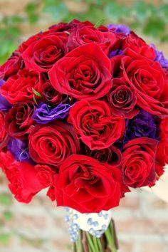 #red #rose and #purple #lisianthus bridal bouquet  http://hellodarlingchicago.blogspot.com/2012/07/garden-glam-at-peninsula-chicago.html