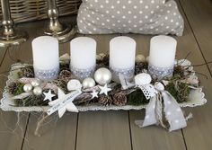 Adventskranz im shabby-Style ★Ganz in weiß ★ Die längliche weiße Metallsc… Advent wreath in the shabby style ★ All in white ★ The elongated white [. Rose Gold Christmas Decorations, Christmas Advent Wreath, Christmas Candles, Christmas Centerpieces, Xmas Decorations, Christmas Themes, Christmas Crafts, Christmas Fashion, Christmas Christmas