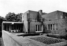 Ludwig Mies van der Rohe (1886-1969) | Haus Wolf | Gubin, Poland | 1925 House Architecture Styles, Architecture Résidentielle, Beautiful Architecture, Bauhaus, Ludwig Mies Van Der Rohe, Renzo Piano, Zaha Hadid, Pierre Jeanneret, Frank Gehry