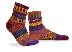 Mismatched Socks - Fall Foliage Life's too short to wear matching socks! Get something fun for your feet with these colorful, multi-patterned, mismatched socks. Funky Socks, Crazy Socks, Colorful Socks, Solmate Socks, Fall Socks, Matching Socks, Unique Socks, Sock Shop, Patterned Socks