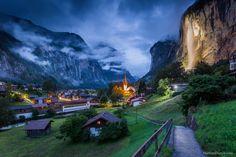 Lauterbrunnen este un sat uimitor de frumos din Alpii Elvețieni.