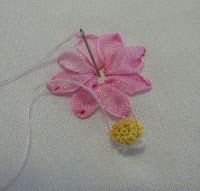 Cosmos Flowers are stitched using Dinky Dyes Argyle 7 mm. Silk Ribbon     I must apologise for the delay in getting this tutorial online. My...