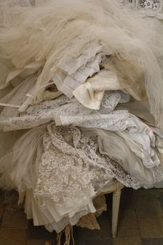 tulles lace & layers