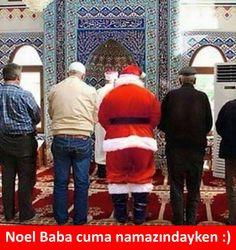 Noel Baba cuma namazındayken :)  #mizah #matrak #espri #komik #şaka #gırgır #sözler #güzelsözler #komiksözler #caps