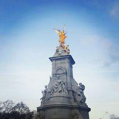 #buckinghampalace#London#England#unitedkingdom#UK#instagood#instalondon#tourist by happypunk16