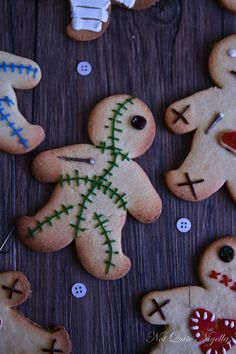 Voodoo Doll Cookies Perfect for Our Spooky Halloween Parties !!  :)