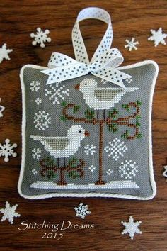Thrilling Designing Your Own Cross Stitch Embroidery Patterns Ideas. Exhilarating Designing Your Own Cross Stitch Embroidery Patterns Ideas. Just Cross Stitch, Cross Stitch Finishing, Cross Stitch Charts, Cross Stitch Designs, Cross Stitch Patterns, Cross Stitch Christmas Ornaments, Christmas Embroidery, Christmas Cross, Cross Stitch Samplers