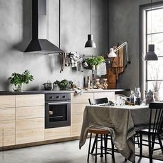 """568 gilla-markeringar, 6 kommentarer - IKEA Sverige (@ikeasverige) på Instagram: """"Ett äkta drömkök är minst lika funktionellt som det är vackert! Stjärnstylisten @HansBlomquist har…"""""""