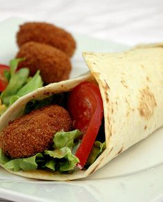 Vegetarian Wrap Breaded Goat Recipe Source by ernaerpel Vegetarian Wraps, Vegetarian Cooking, Vegetarian Recipes, Goat Recipes, Raw Food Recipes, Healthy Summer Recipes, Super Healthy Recipes, Food Porn, Food Inspiration