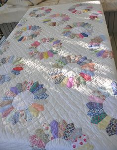 All Dresden Plates are machine pieced and hand appliqued. Hand quilted.