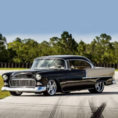 Chevy Bel Air (note the unorthodox paint scheme) Chevrolet Bel Air, 1955 Chevrolet, Chevrolet Camaro, Chevelle Ss, 1955 Chevy, Mustang Cars, Us Cars, American Muscle Cars, Car Insurance