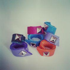 Ring ring ring!! ya tenemos la coleccion de los más pequeños. anillos de piel con un diamante especial. #leather # Bibí # Handmade #QuenllaSCQ