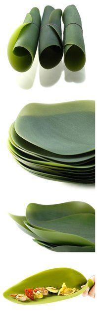 Foldable leaf plate