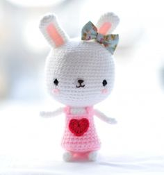 Sweetheart bunny - free amigurumi pattern // Aranyos szívecskés horgolt nyuszi (amigurumi minta) // Mindy - craft tutorial collection