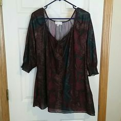 Maurices plus size shirt. Fall colors in this Maurice's size 1 top like new. Snakeskin print, 3/4 sleeve. Tie @neck. Maurices Tops Blouses