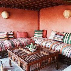 S T R I P E M I X . . . . . #stripes #elfenn #elfennmarrakech #morocco #outdoorstyle #patio