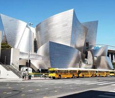Le sublime (et brillant) Disney Concert Hall de Frank Gehry #losangeles #frankgehry #architecture #disneyconcerthall #downtown #nofilter #summer #ilovecalifornia #usa