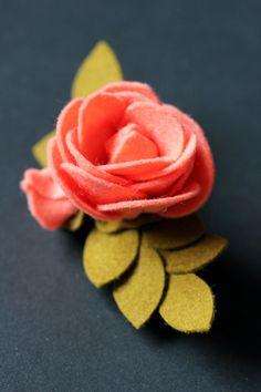 25+ best ideas about Felt Flower Tutorial on Pinterest | Felt ...