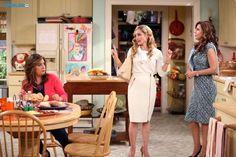 "#Cristela 1x03 ""Mr. Felix and Ms. Daniela"" - Cristela, Daniela and Wendy (guest stars Robyn Cohen)"