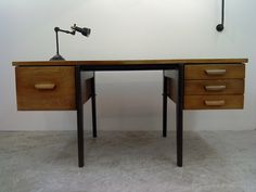 Love the vintage feel of this desk. Great for Arts and crafts or a Sewing table