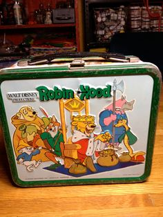 Absolutely loooove this! Robin Hood lunchbox!