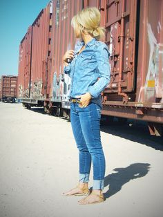 This chica seriously has the cutest outfits and hair! Her blog is awesome.