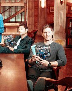 I love them :D Dean-Castiel-supernatural Supernatural Series, Supernatural Pictures, Supernatural Destiel, Supernatural Bunker, Jensen Ackles Supernatural, Sam Winchester, Winchester Brothers, Jared Padalecki, Misha Collins