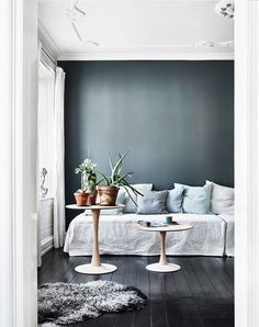 Inspiration from interior and exterior design. I select and post the interiors that make me want to live in that room. If your photo is featured and you want it removed, please contact me. Room Inspiration, Interior Inspiration, White Daybed, Deco Pastel, Deco Boheme Chic, Daybed Covers, Decoracion Vintage Chic, Dark Grey Walls, Blue Walls