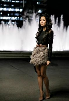 urban chic for fall.never would of thought to ever wear a fur skirt but surprisingly adorable. I Love Fashion, Passion For Fashion, Fashion Beauty, Urban Chic Fashion, Moda Outfits, Cute Outfits, Outfit Vestidos, Vestido Dress, Feather Skirt