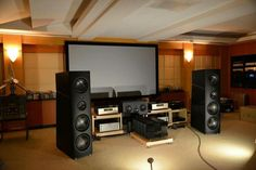 Magico powered by Gryphon Mephisto, Audio Research Reference Preamp & Accuphase Digital frontend Homemade Speakers, Sound Room, High End Hifi, Home Speakers, Audio Room, Speaker Stands, Home Theater, Theatre, Home Cinemas