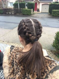 33 Best Hairstyles for Teenage Girls That Are Cute and Cool Best Picture For Volleyball Hairstyles e Athletic Hairstyles, Teen Hairstyles, Teenager Hairstyles, Pictures Of Hairstyles, Hairstyles For School Girls, Wedding Hairstyles, Easy Party Hairstyles, Quinceanera Hairstyles, Fashion Hairstyles